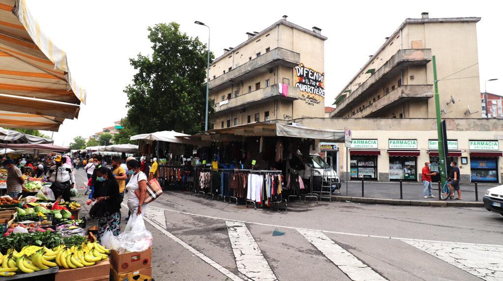 P.za Tirana angolo via Segneri, mercato rionale del giovedì mattina